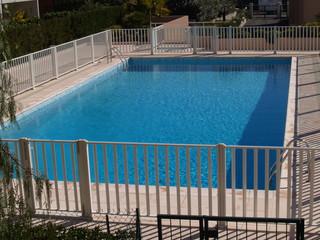 Barrière piscine homologuée